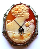 Cameo%20pin%20small